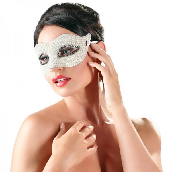 Maske mit Perlen